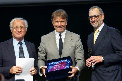 Consegna del premio a Brunello Cucinelli